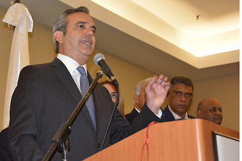 Luis Abinader realizó un llamado a que se incorpore la educación sexual en escuelas para fomentar el respeto a lamujer