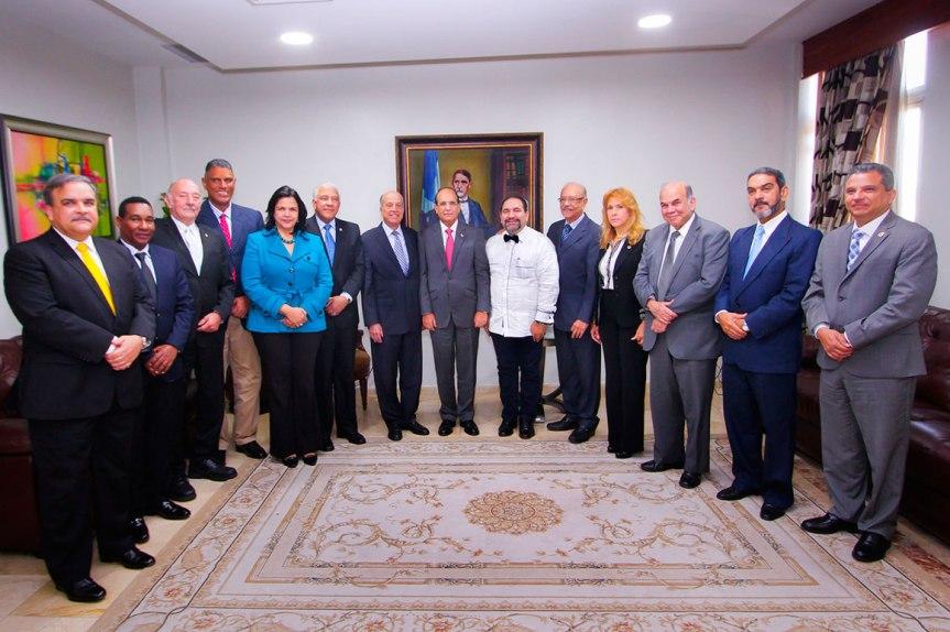 Bloque Opositor visita presidente JCE; Pide fortalecer la democraciadominicana