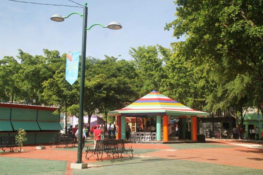 Ayuntamiento del DN entrega remodelado el parque principal de LaCiénaga
