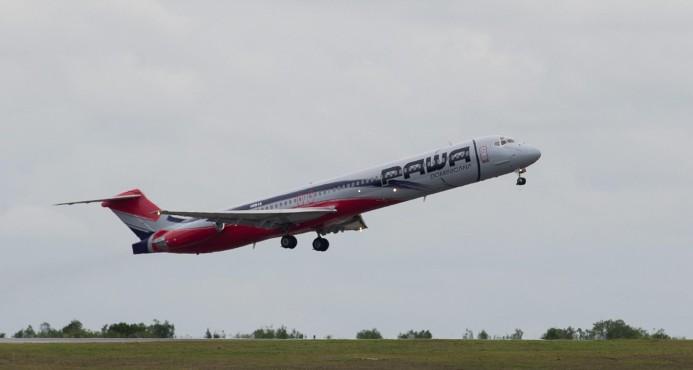 Avión Pawa Dominicana despegaba en P. Rico regresa por explosiónmotor