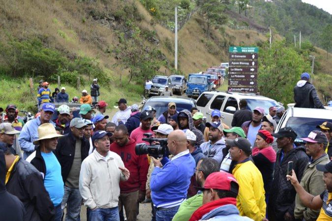 """Medio Ambiente fue rechazado por Agricultores de Valle Nuevo : """"Nosotros seguimosfirmes"""""""