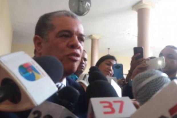 El Ministro Amarante Baret alega que Temo habló a título personal; dice Danilo no recibió dinero paracampaña