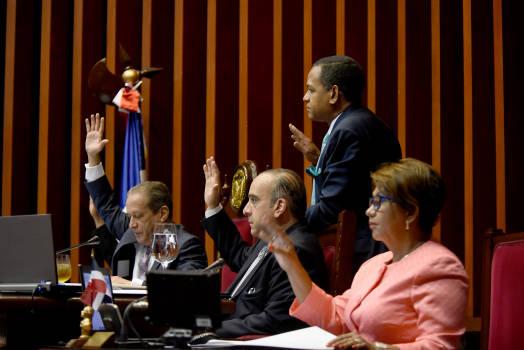 El Senado de la República conocerá hoy proyecto para colocar bonos de deudas por RD$190 milMM