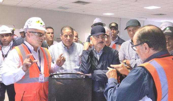 El presidente Medina visita construcción de obras en elSur