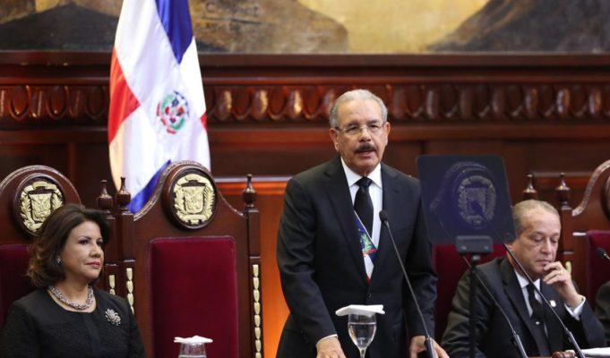 Danilo Medina aumentará salarios y pensiones en el sectorpúblico