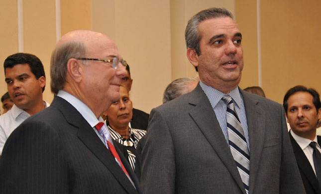 PRM con Hipólito y Abinader critican aprestos reeleccionistas realizan losfuncionarios