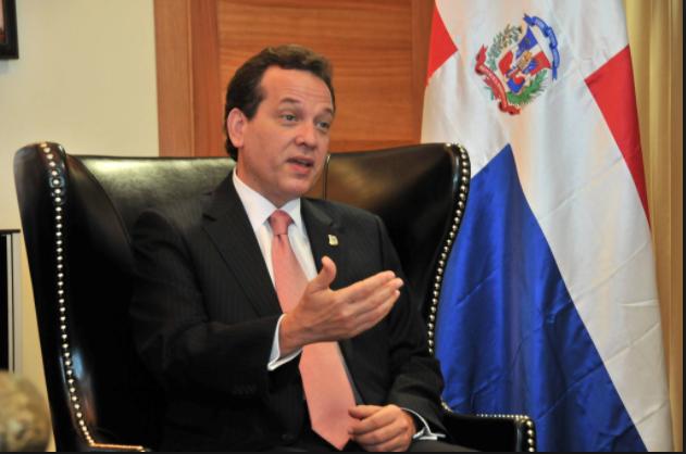El políticoIto Bisonó condena el llamado de Lucía Medina a los empleadospúblicos