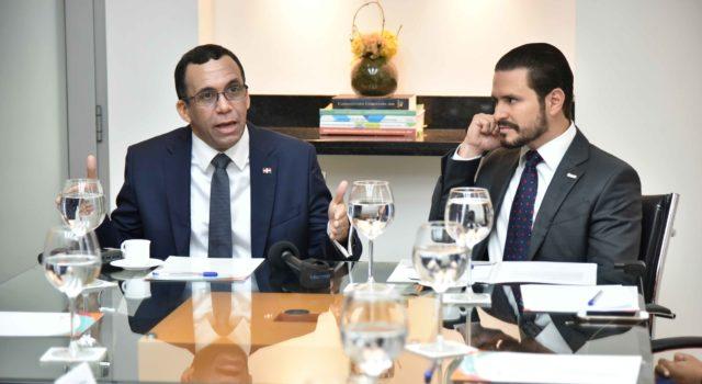 Navarro propone debate electoral entre candidatos de diversos partidospolíticos