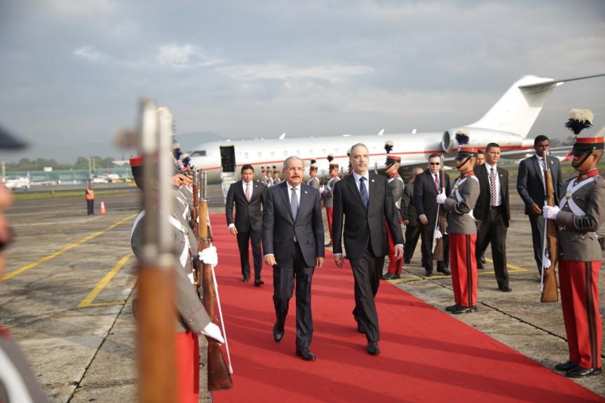 Presidente Danilo Medina llega a Guatemala, para participar en LIII Reunión de Jefes de Estado y de Gobierno delSICA