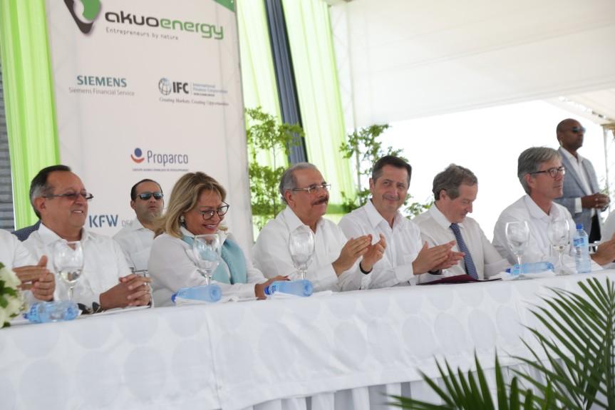 Presidente Medina participa en inicio operaciones PECASA, en Montecristi  energía renovable enRD