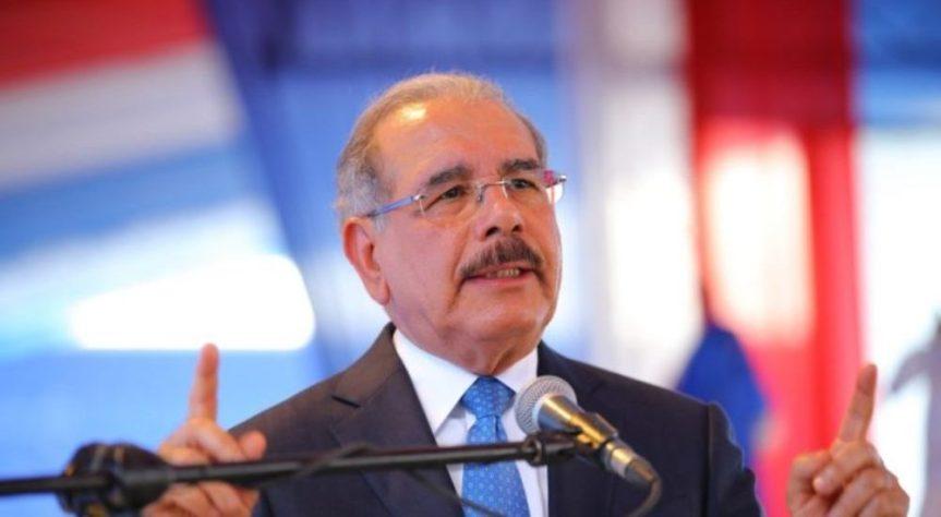 Presidente Danilo Medina promulga Ley 210-19, que regula uso símbolospatrios