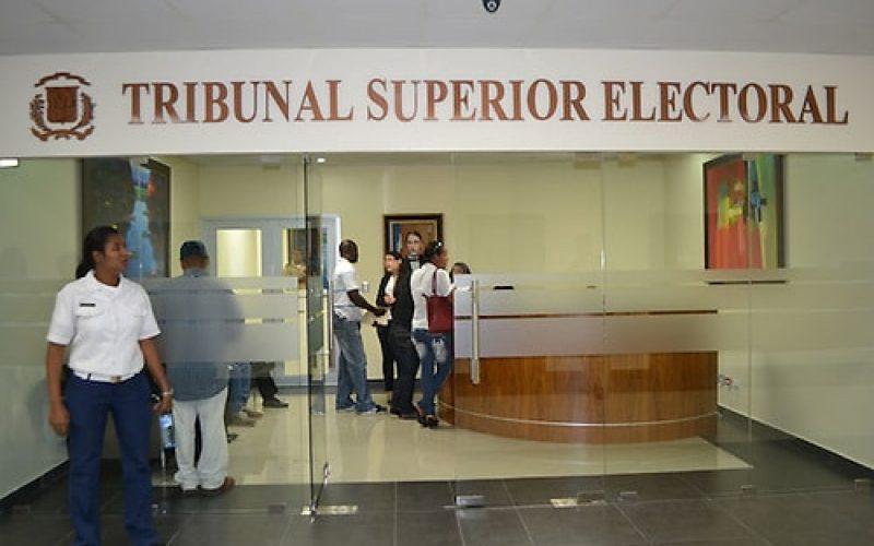 El Tribunal Superior indica a la JCE permitir la publicidad de los precandidatos en vallaspublicitarias