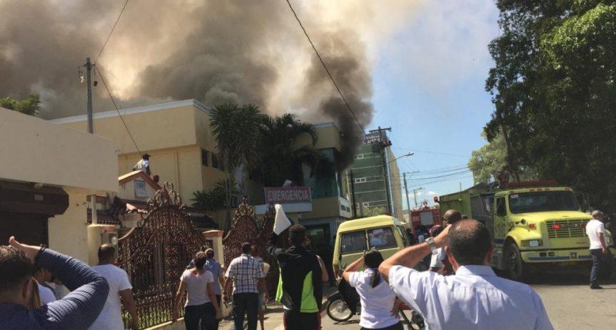 Centro médico de Cotuí evacuan a pacientes y médicos trasincendio