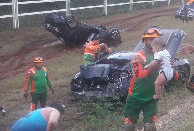Tras accidente múltiple en la autovía del este rescatan bebé que quedóatrapado