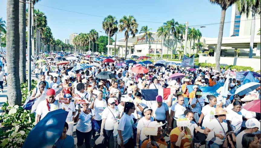 La Iglesia Católica piden crear Ministerio de laFamilia