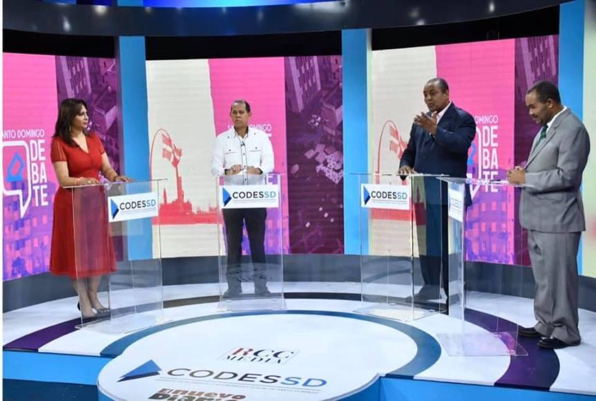 Candidatos a alcaldes se enfrentan en debate en el Gran SantoDomingo