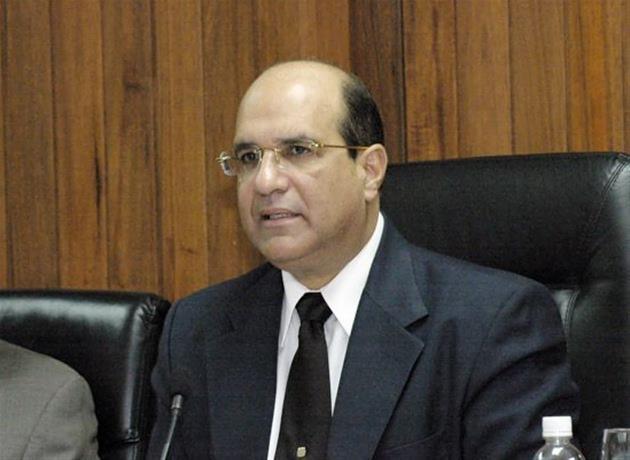 Castaños Guzmán afirma que consultó al presidente DaniloMedina