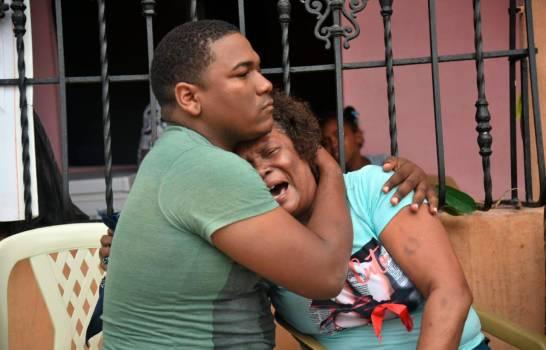 Identifican a las víctimas de fuego en Los Girasoles, seis horas después cadáveres yacen en ellugar