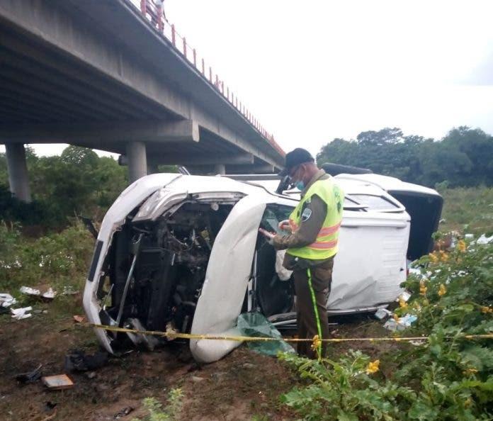 Dos muertos y dos heridos en accidente de tránsito en CircunvalaciónCibao-Sur
