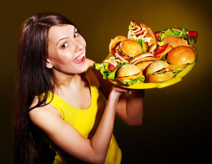 Científicos explican por qué algunas personas nunca engordan (y comen detodo)