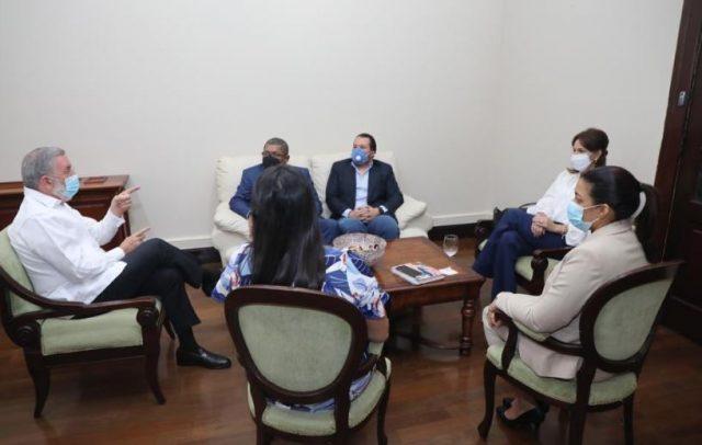Milagros Germán se reúne en Palacio con RobertoMarchena