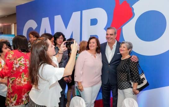 Luis Abinader volverá a designar mujeres como gobernadorasprovinciales