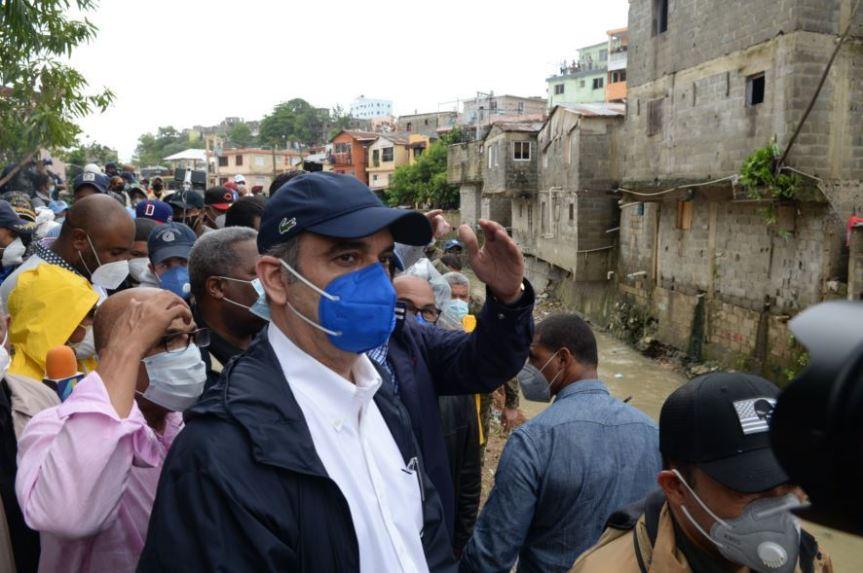 Presidente Abinader dice reconstruirá viviendas afectadas por Laura en LosRíos