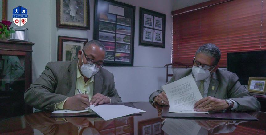 Alcalde José Andújar se reúne con el Director deINPOSDOM