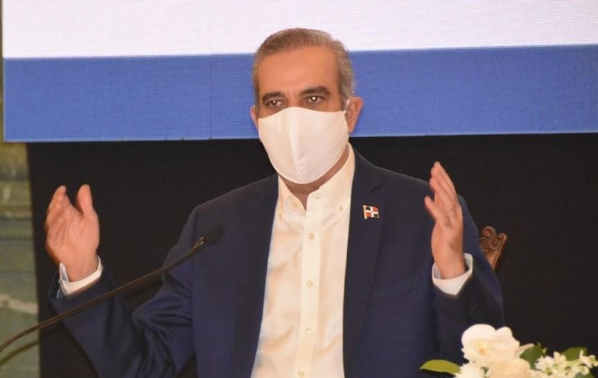 Luis Abinader anuncia casas acogida y 10 mil mensuales a mujeresmaltratadas