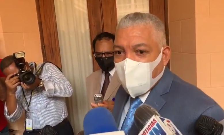 Radhamés González director de la OMSA, no esta de acuerdo alianzapúblico-privada