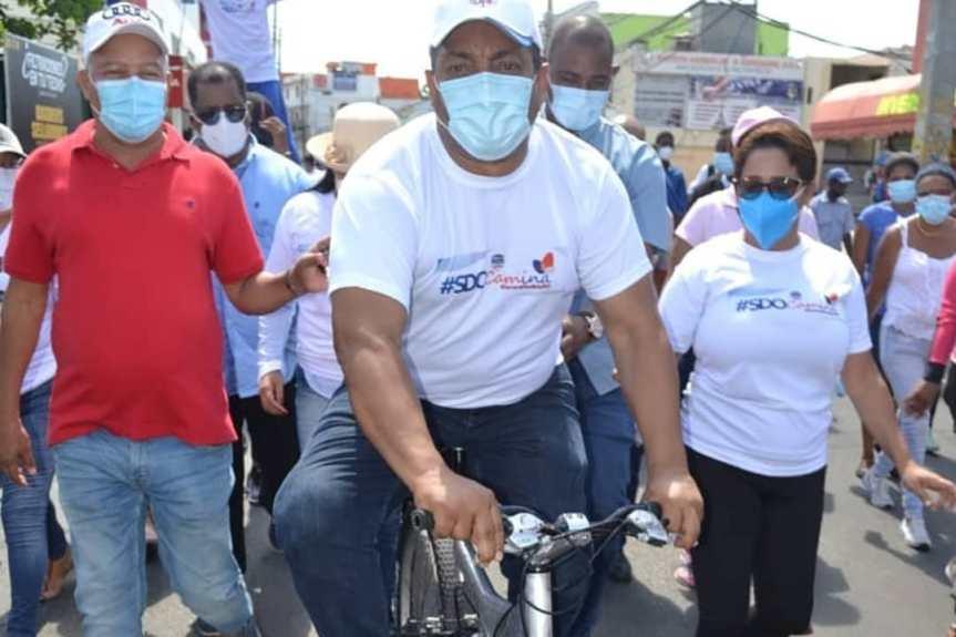 Alcaldía de SDO camina en compañía del INTRANT por motivo a la Semana de la MovilidadSostenible