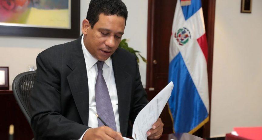 Contrataciones Públicas suspende registro de proveedores de la ministra de laJuventud