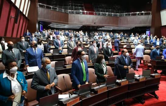 Abinader y la Cámara de Diputados rechazan matrimonio infantil en laRD