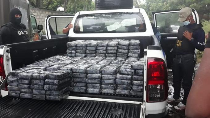 Ocupan 362 paquetes drogas en Baní; 52 kilos y 143 plantas marihuana enSD