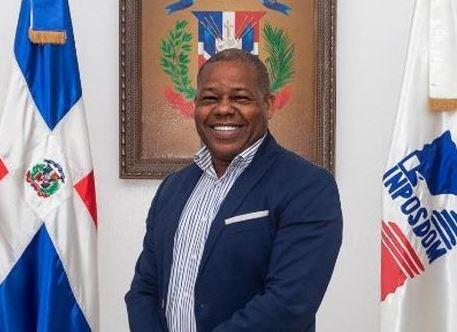 Director de Inposdom se queja en Aduanas no le reciben recomendaciones de compañeros por no reponer apeledeístas