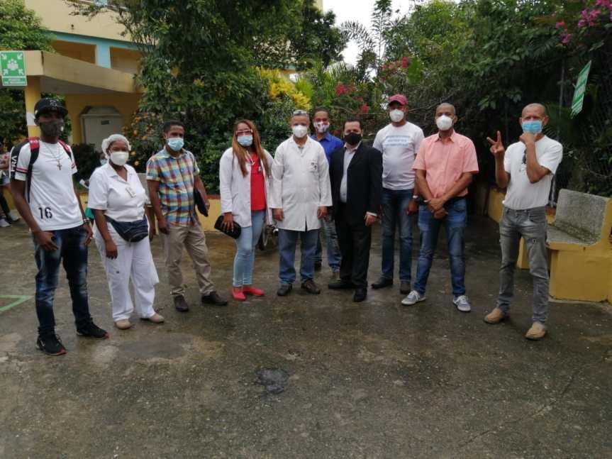 Operativo médico área 7 Salud pública en Hato nuevo escuela Rosa EvangelinaSolano.