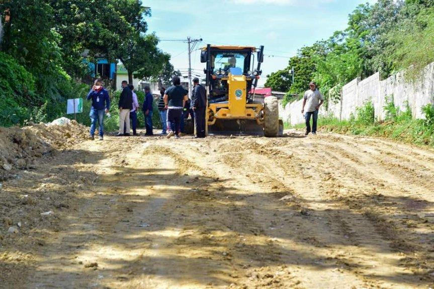 Alcalde Ing. Jose Andujar inicia los trabajos en la calle HigueyAguacate
