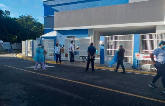 Miles de dominicanos celebran la Nochebuena con ausencia de familiares porCOVID-19