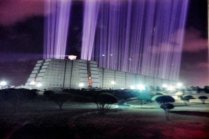 Iluminarán el Faro a Colón, después de más de 20 añosapagado