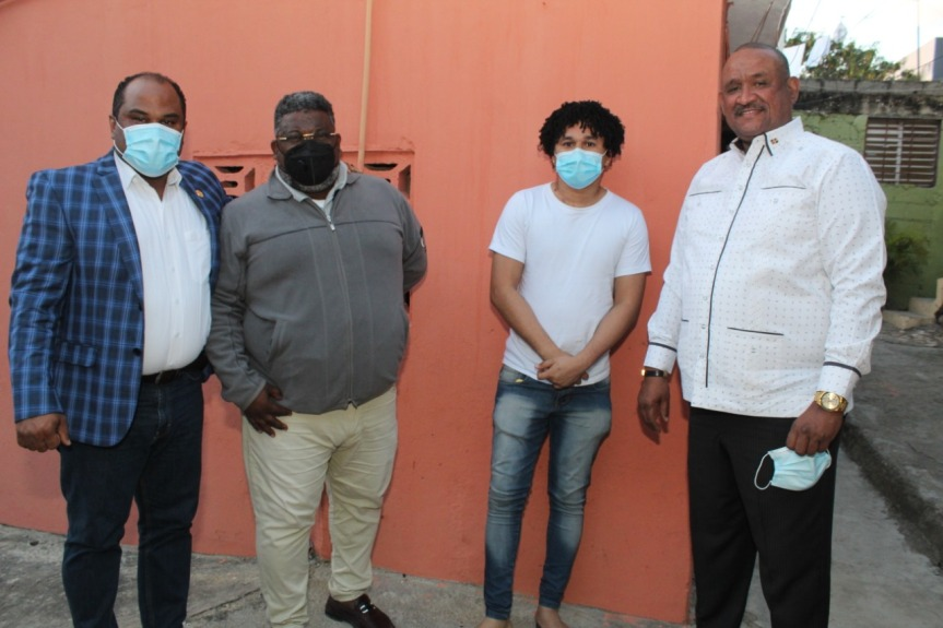 Cumple con promesa de gestionar operación de joven peluquero de LasPalmas