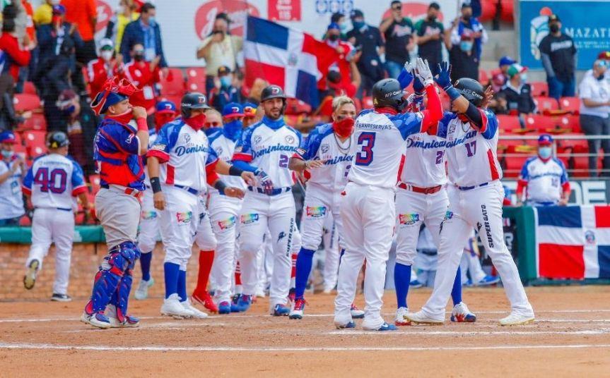 Dominicana vence a Puerto Rico en el inicio de la Serie del Caribe2021