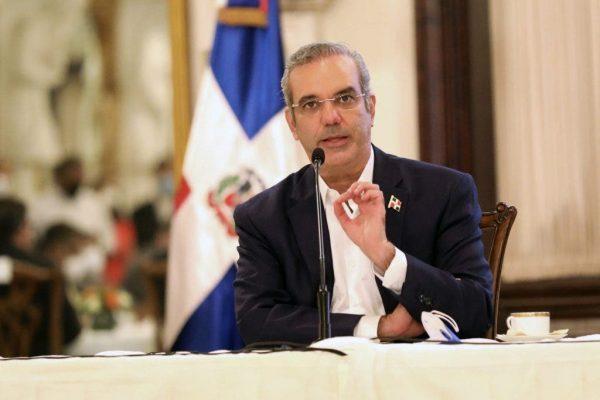 Abinader ratifica su compromiso con el régimen de exenciones de la Ley28-01