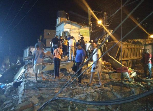 Patana pierde control e impacta con una vivienda enYamasá