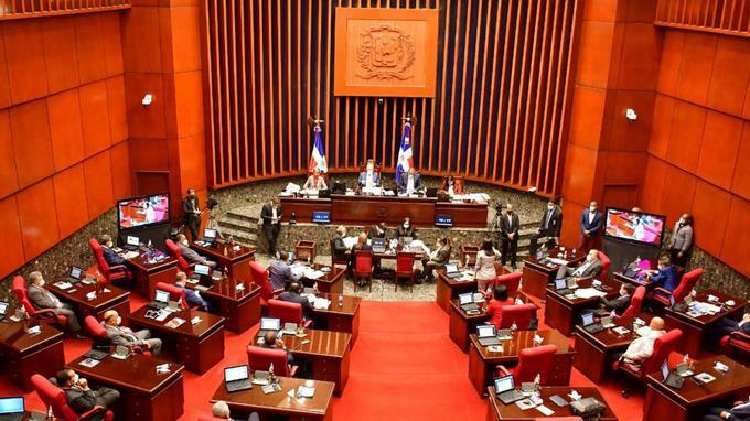 Senado estudia proyecto de ley para eliminar pago de reinscripción en colegiosprivados