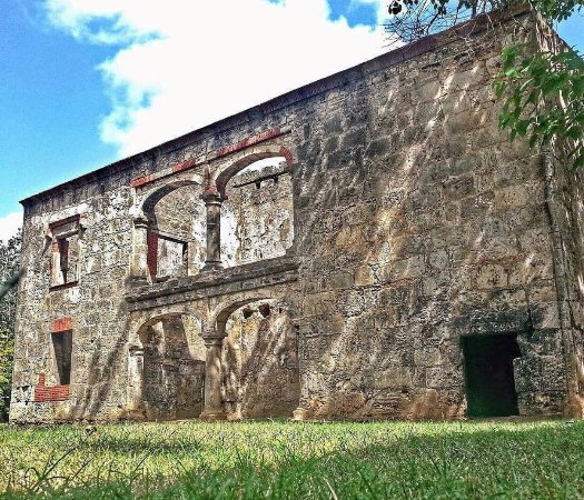 En las ruinas de Engombe, cinco mil pesos será la tarifa solo a productores videos clips, documentales ypelículas.