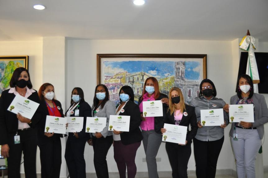 Radhamés González reconoce colaboradoras de OMSA en el Día de laMujer