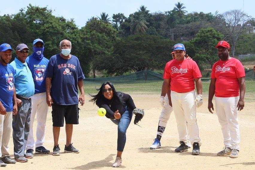 La Diputada Leyvi Bautista realiza lanzamiento dehonor