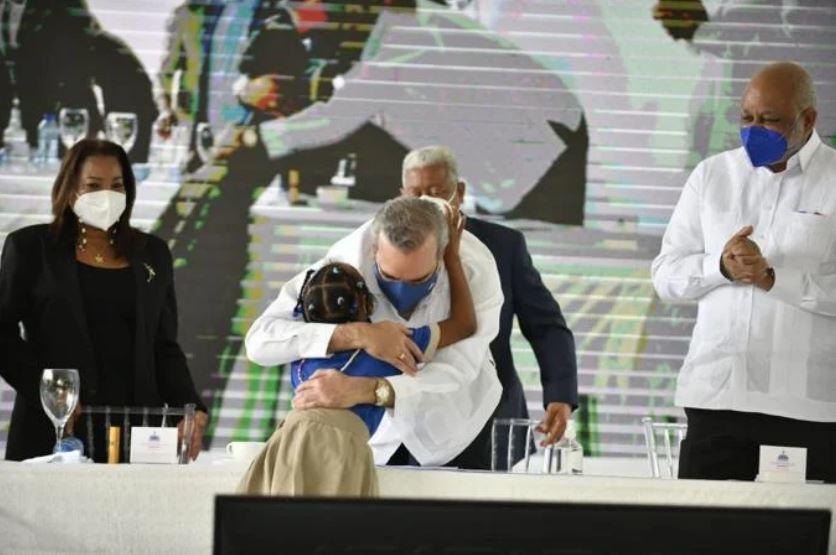 """Presidente Abinader sobre regreso a clases: """"La escuela no nació para estarcerrada"""""""
