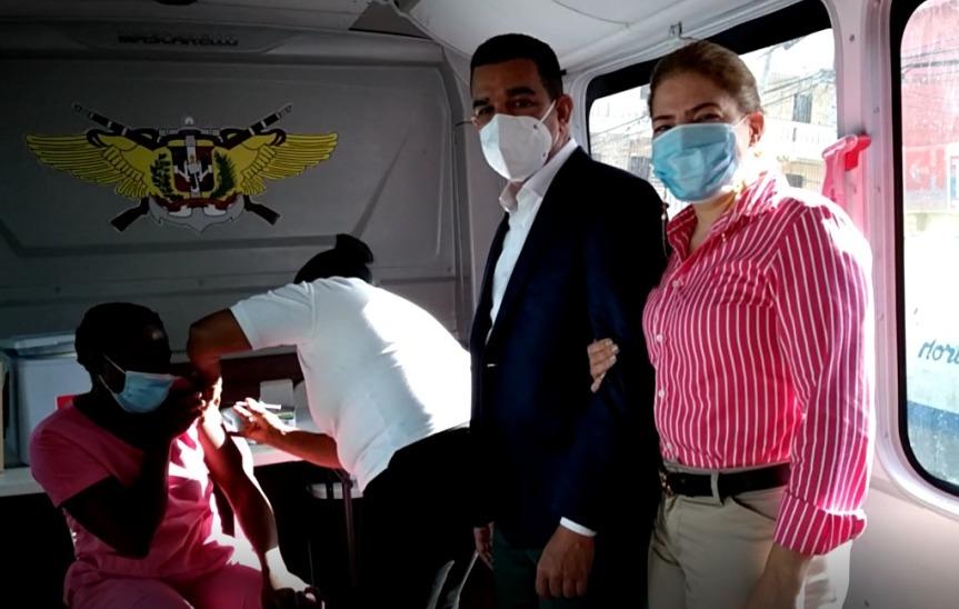 Fundación Richard Ortiz realiza jornada de vacunación contra el COVID-19 en villaconsuelo.
