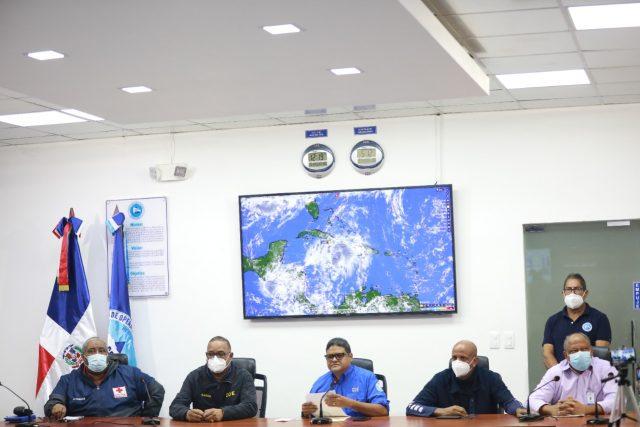 COE mantiene 15 provincias en alerta verde tras el paso de la tormentaElsa